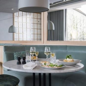 Une Brasserie Iconique Sur Les Champs-Elysées : Flora Danica